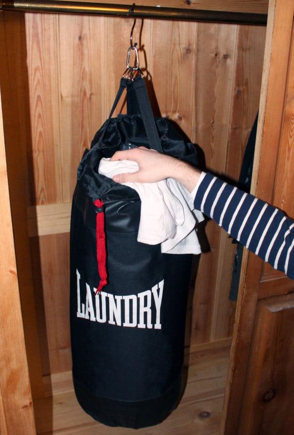 19365_wardrobe-punchbag-laundry