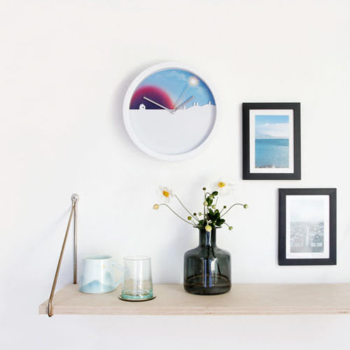 day-night-clock-shelf-with-pictures-square_66605