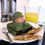 Army-Tank-Egg-Cup-holder-Soldier-Shaped-Toast-Cutter-Boys-Novelty-Secret-Santa-391312624195